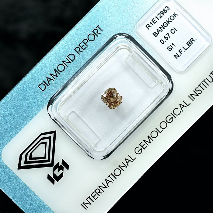 Diamond - 0.57 ct - Radiant - Champagne - SI1