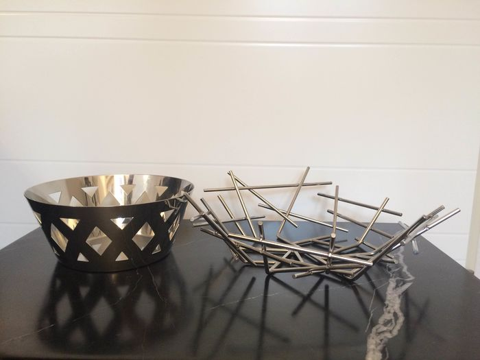 Fratelli Campana - Alessi - Two fruit bowls (2)