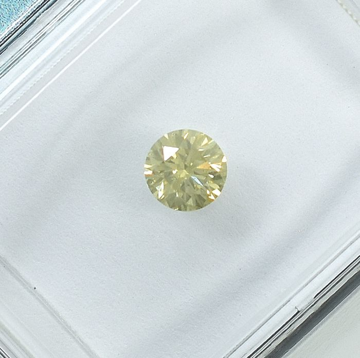 Diamond - 0.26 ct - Brilliant - Natural Fancy Light Brownish Yellow - SI2