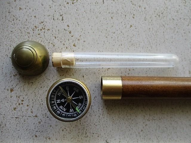 A massive walking stick with compass and hidden flask  - Light mahogany, brass
