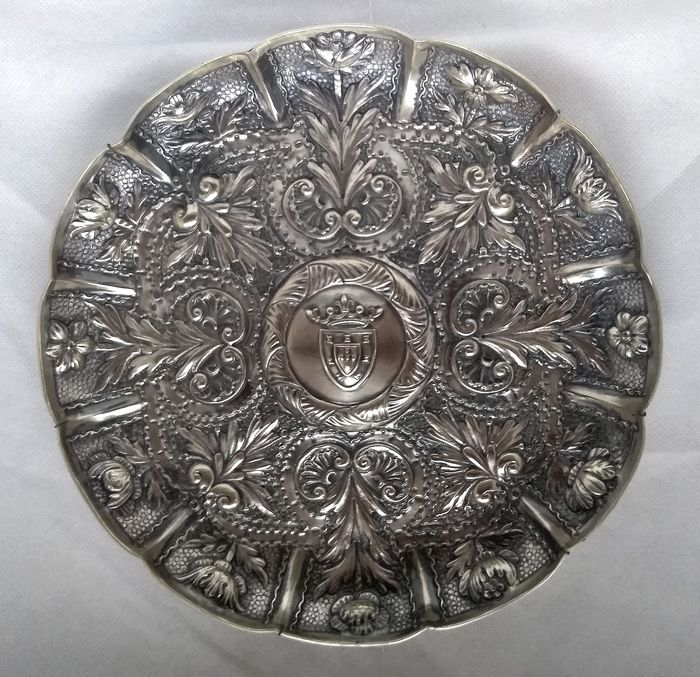 Royal Portuguese Coat of Arms charger  - .833 silver - Portugal - 1913-1938