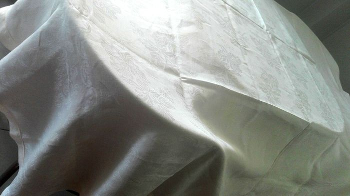 Wonderful damask linen tablecloth with flowers - Damask Linen - mid 20th century
