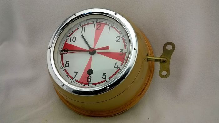 """Clock of the Soviet Navy ship """"3 minutes of silence"""" - metal alloy - Second half 20th century"""