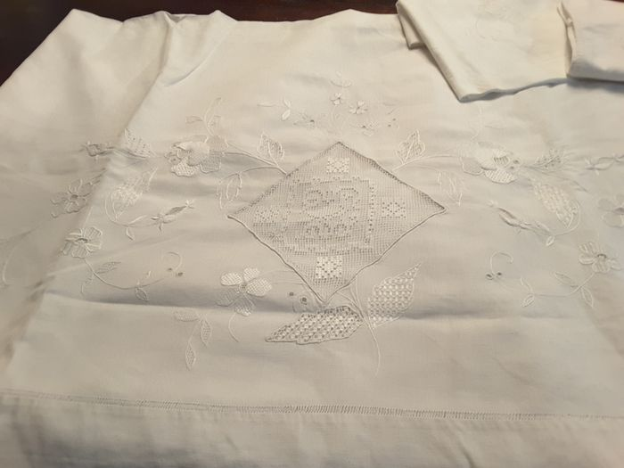 sheet and pillowcases (3) - linen and cotton - 1940/1950