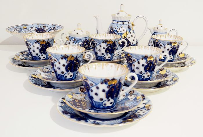"Nina Slavina - Lomonosov Imperial Porcelain Factory - Radiant ""Сhimes"" Tea set  for 6 person (22) - Gold, Porcelain"