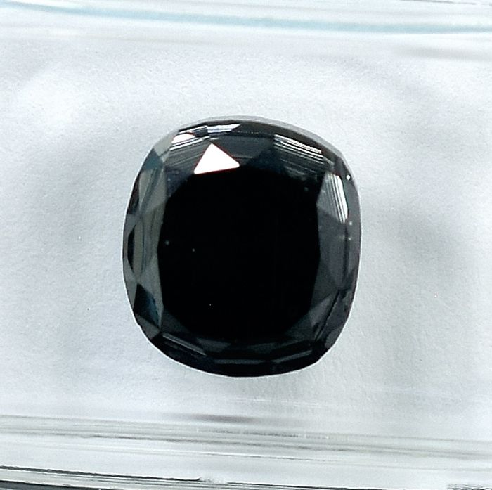 Diamond - 3.86 ct - Cushion - black - N/A
