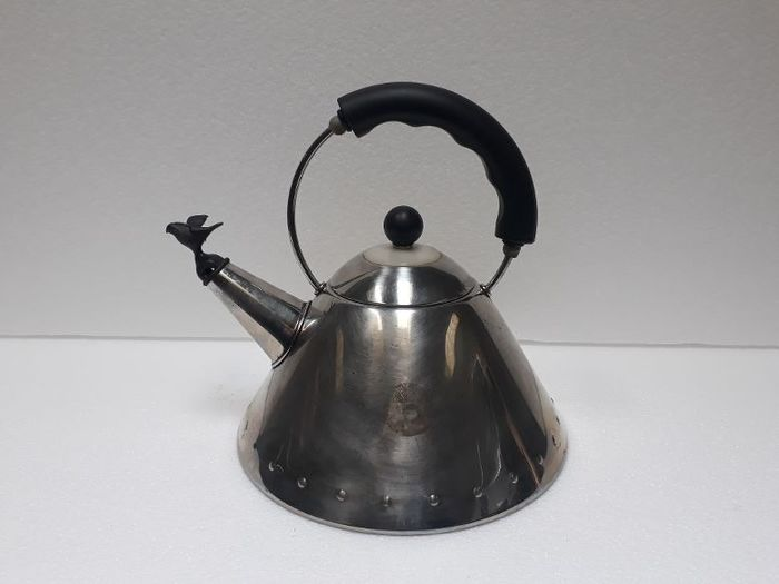 Michael Graves - Alessi - baby bird kettle No. 9093