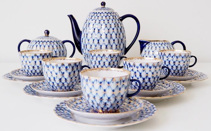 "Anna Yatskevich - Lomonosov Imperial Porcelain Factory  - Tulip ""Cobalt Net"" Coffee set for 6 persons  (21)"
