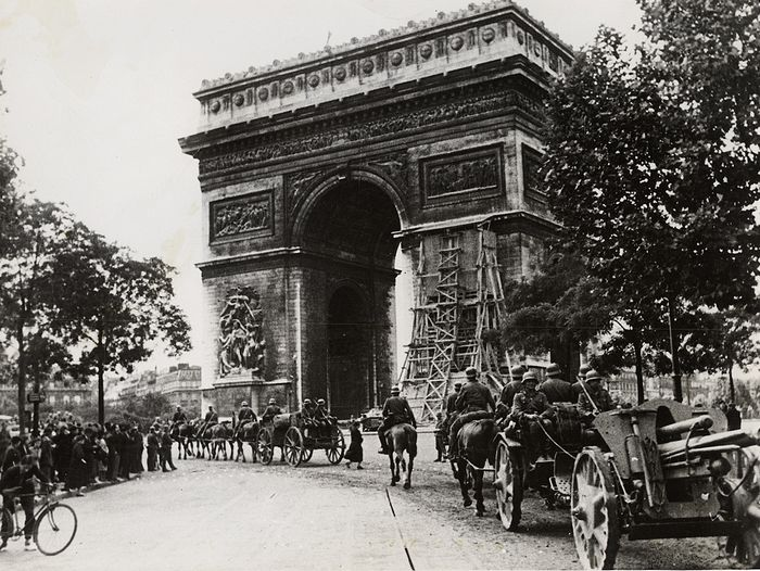 Unknown - German Troops Parade in Front of the Arc de Triomphe, 1940