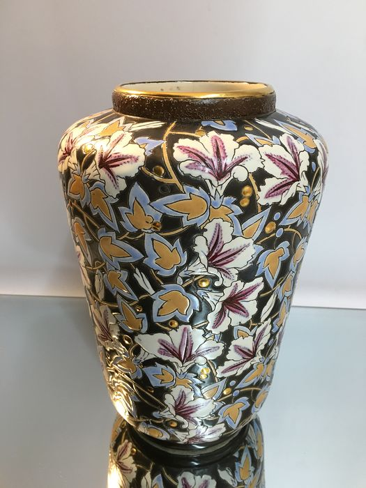 Raymond Chevallier  - Boch Frères Keramis  - Vase with limited decor
