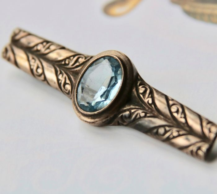 Silver - Brooch - 6.23 ct Blue Spinel