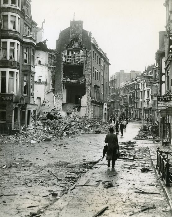 Sport & General / The Daily Telegraph / Planet News  - (3x) London bomb damage, 1940/42