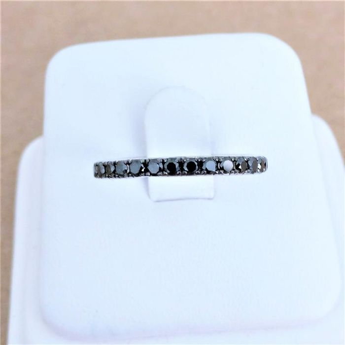 18 kt. White gold - Ring - Colour Treated 0.63 ct Diamond