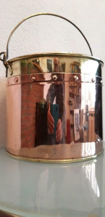 Antique Copper Aker / Bucket (1) - Red and Yellow Copper