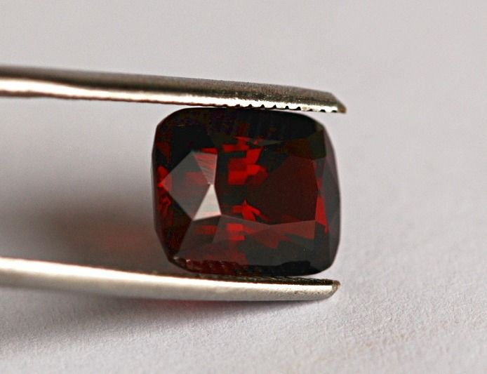 Rood Spinel - 4.69 ct
