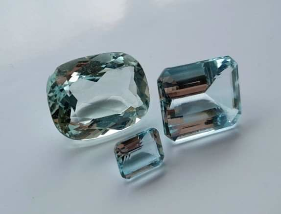3 pcs Light blue and green Aquamarine - 49.65 ct