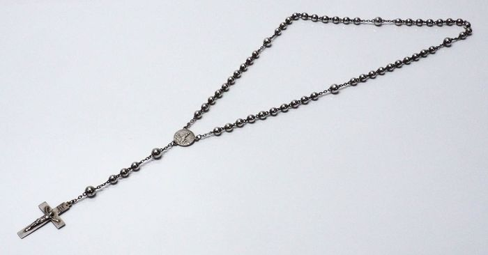 (Década de 1940)   .833 Silver - All-Silver Vintage Rosary .833 with Spherical Beads and Medal Alluding to Our Lady