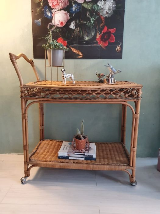 Barcart trolley drink table