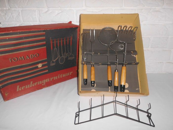 Tomado - Rare kitchen set with original rack and in the original box, 50s / 60s - metal, wood. cardboard
