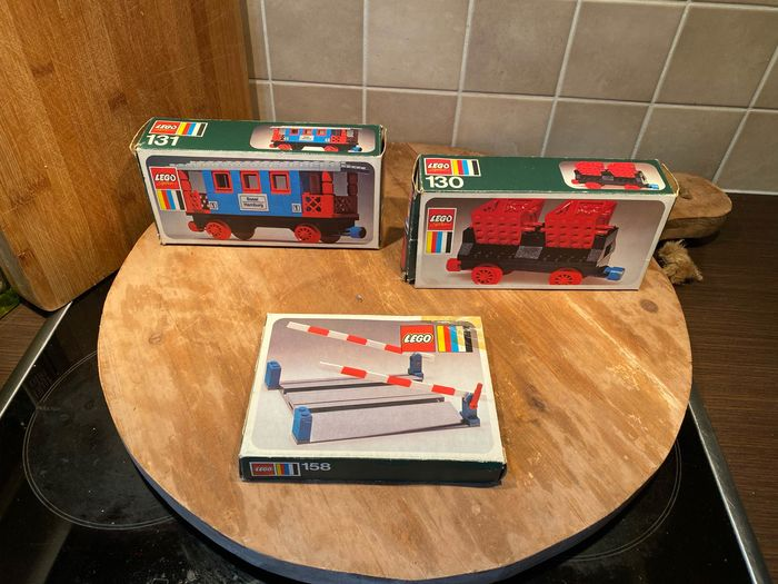 LEGO - Trains - 130, 131, 158 - Wagons and crossing Passenger coach and 2 others - 1970-1979 - Netherlands