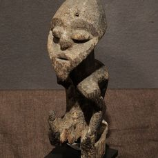 Small Shrine figure - Wood - Provenance Donald Taitt - Mambila - Nigeria