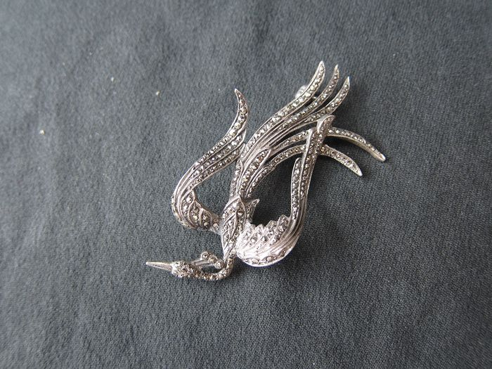 835 Zilver - Broche with markasites