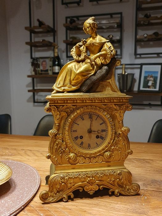 Mantel clock - Bronze (gilt/silvered/patinated/cold painted) - mid 19th century