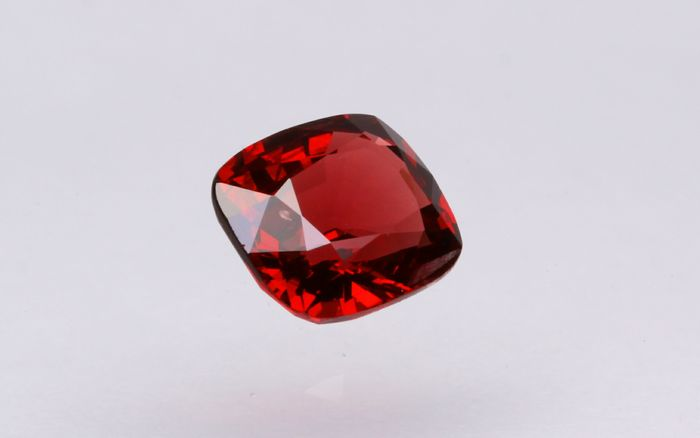 Rood Jedi Spinel - 0.92 ct
