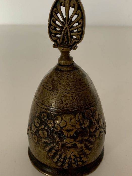 ceremonial bell - Bronze - Late 19th century