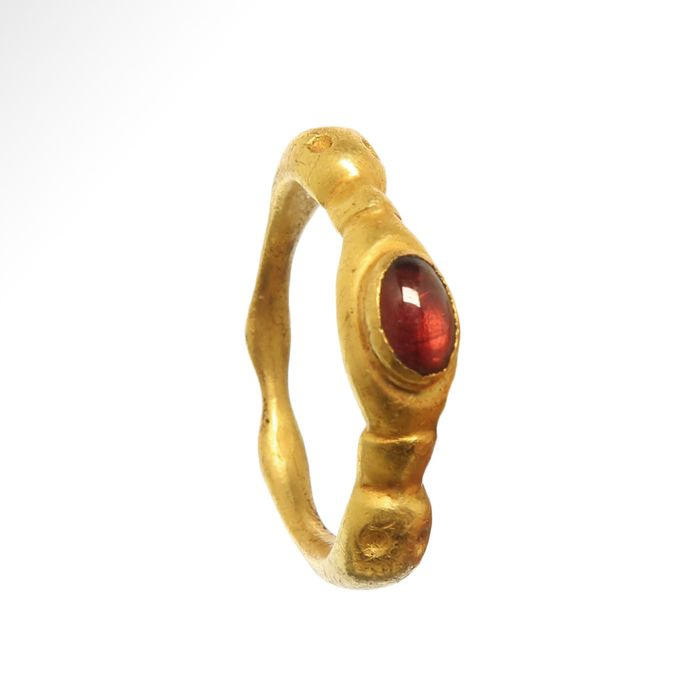 Ancient Roman Gold and garnet Ring with Ducks Heads