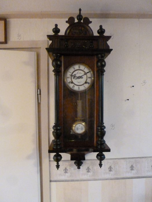 Wall clock - Wood, Mahogany - Second half 20th century