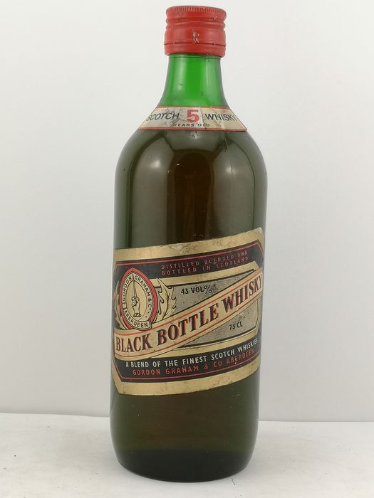 Black Bottle 5 years old - b. Década de 1960 - 75 cl