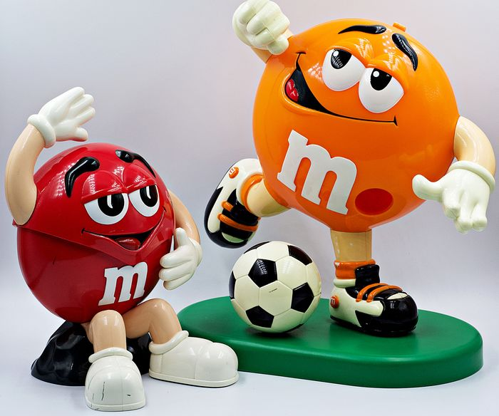 M&M'S - Promotional - M&M'S Character Football Player Dispensers - 1990-1999 - Germany