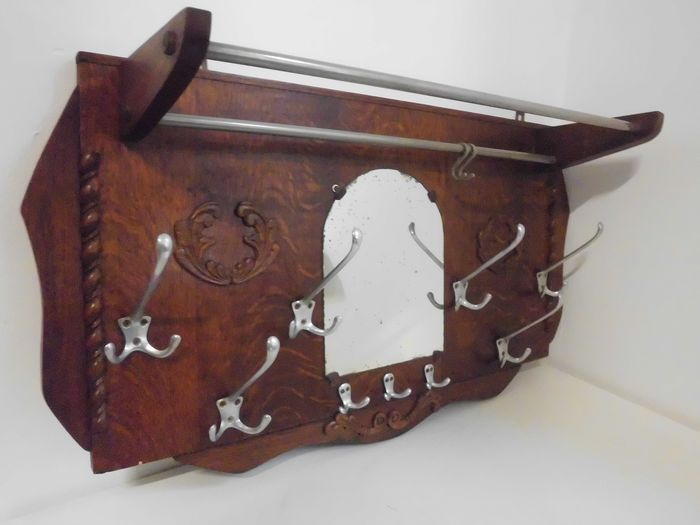 Vintage wall coat rack with mirror and hat shelf. - chromé