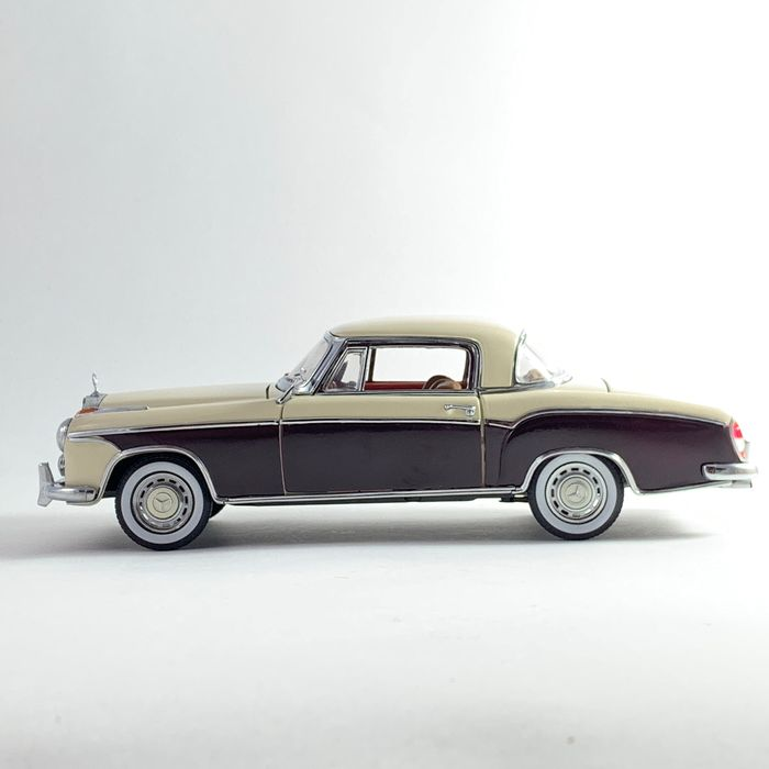 Sunstar - 1:18 - Mercedes Benz 220 SE Ponton Coupe from 1958 - Classic beauty in black