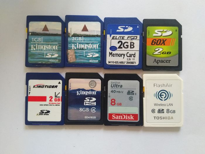 Kingston, sandisk, Toshiba, Apacer 1GB and 2GB SD memory card (8x)