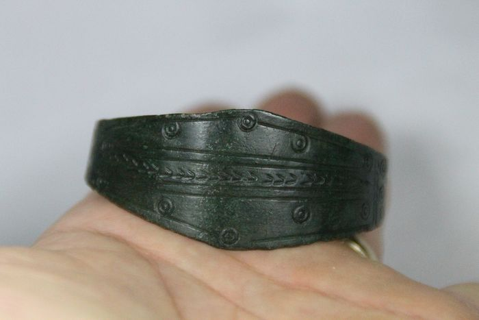 Prehistoric, Bronze Age Bronze Fantastic! Bronze bracelet with sun and moon symbols. Elite Jewelry! - (1)