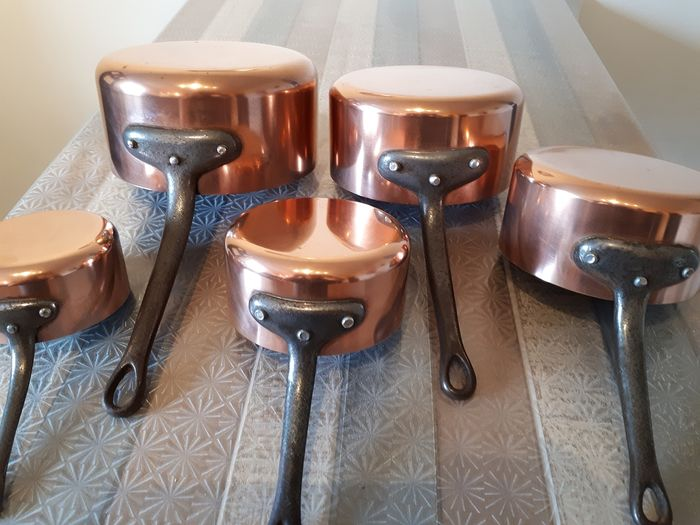 LES CUIVRES DE FAUCOGNEY MADE IN FRANCE - batch of five old pans stamped - Copper