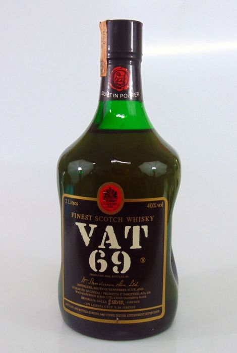 Vat 69 Finest Scotch Whisky - Sanderson & Son - b. 1970s - 2 Litres