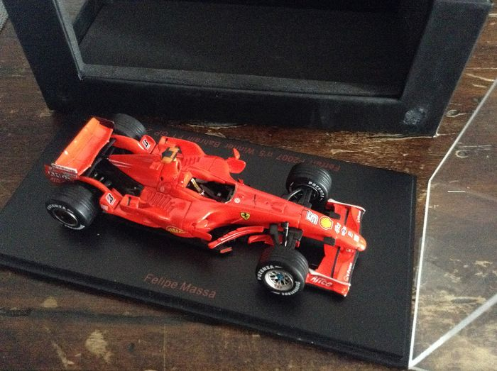 RED LINE - 1:43 - ref. #RL141 Ferrari F2007 F.1 winner GP Bahrain 2007 - #5 Felipe Massa - excellent quality modelcar - limited edition - numbered # 406/750