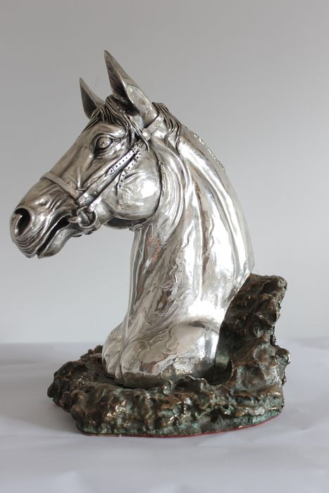 Cunill - Sculpture, Horse's head - Silverplate