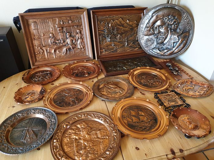 Plates, frame (17) - Contemporary - Copper, Wood