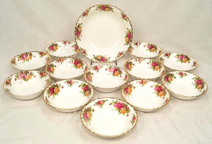 Old Country Roses  - Royal Albert  - Dessert service 12 bowls + large bowl (13) - Porcelain