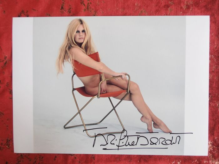 Brigitte Bardot - Large Photo Sam Levin - Signed with COA