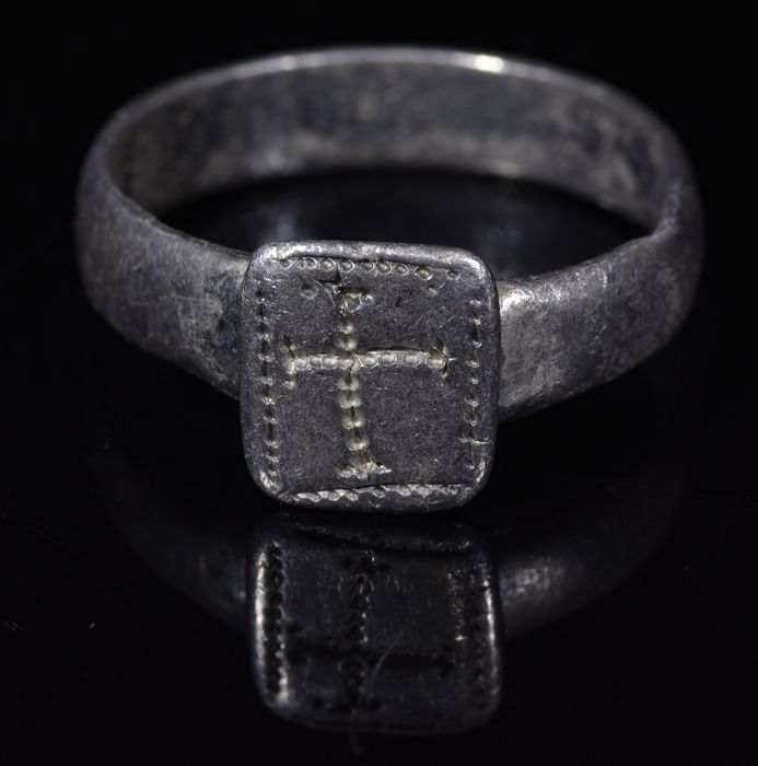 Medieval Crusaders Era Silver Knights Templar Ring with Holy Cross