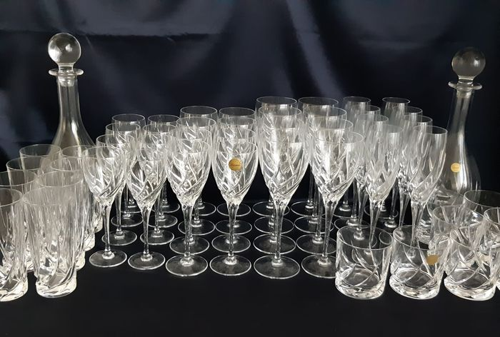Wedgwood 'Toscane' - Complete Set Of Glasses And Two Decanters (50) - Crystal