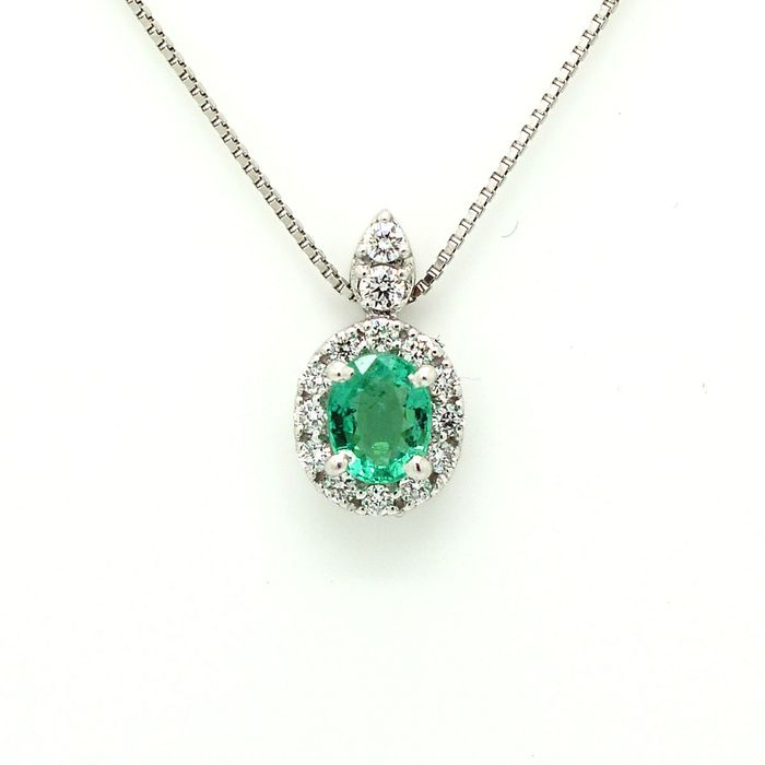 18 kt. White gold - Necklace with pendant - 0.25 ct Emerald - Diamond
