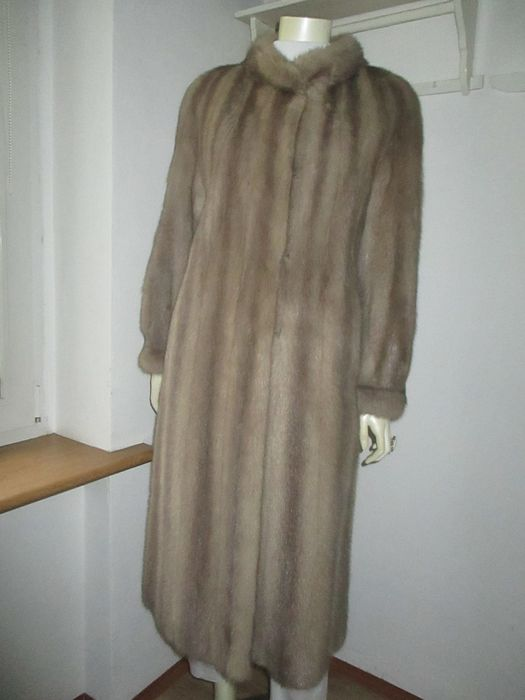 Gray-silver mink - Fur coat - Size: EU 38 (IT 42 - ES/FR 38 - DE/NL 36), EU 40 (IT 44 - ES/FR 40 - DE/NL 38)