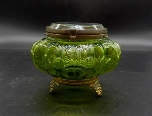 Green Footed Vanity Powder Jar w/ thick bevelled glass lid, ca. 1900's - Art Nouveau - Gilt, Glass