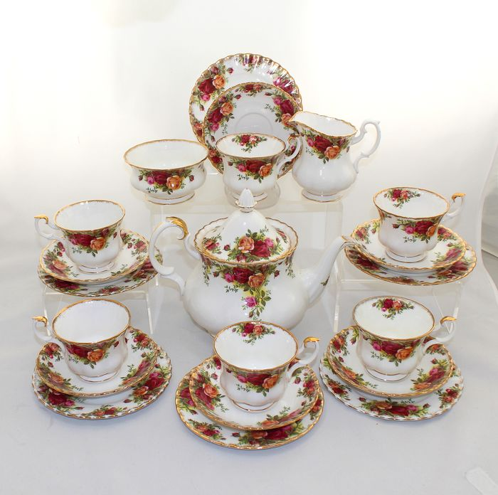 Royal Albert - Tea service for 6 - Old Country Roses (21) - Porcelain